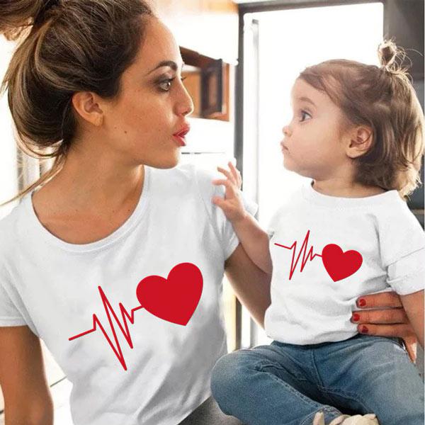 T-shirt Coração Batendo conjunto mãe e filha(o) branca