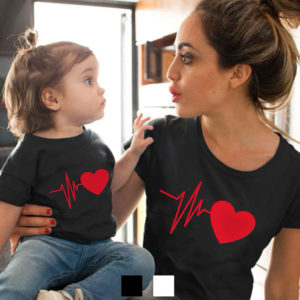 T-shirt Coração Batendo conjunto mãe e filha(o)