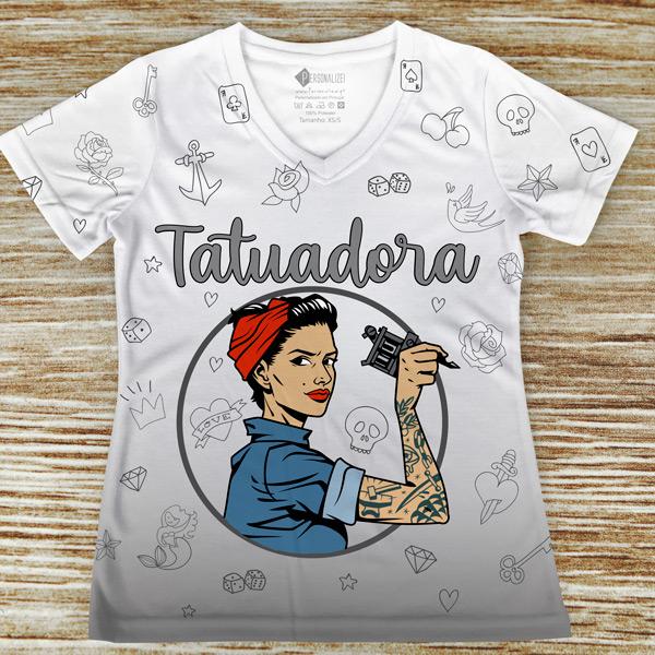 T-shirt Tatuadora profissão/curso
