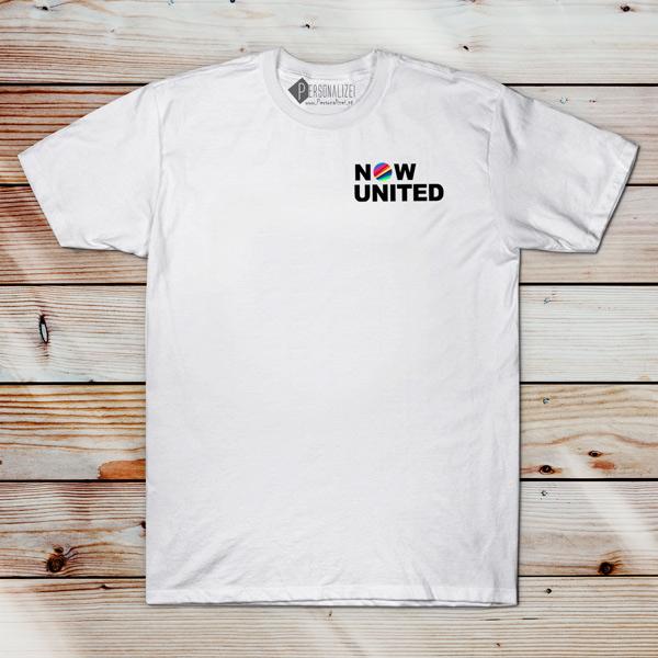 Now United T-shirt com todos os integrantes masculina