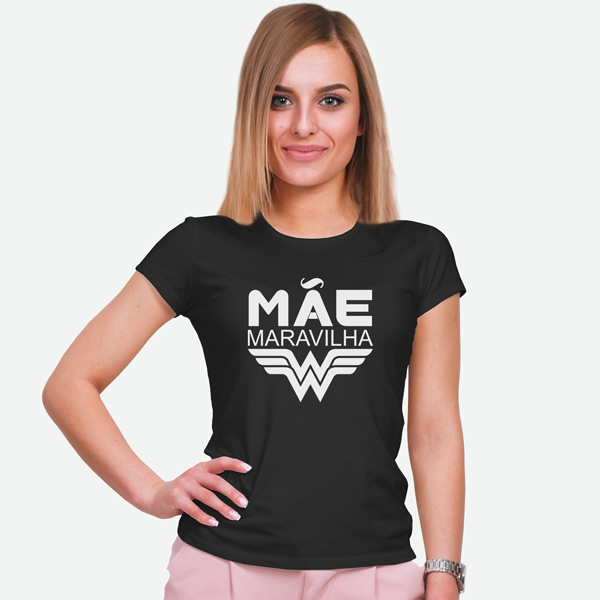 T-shirt Mãe Maravilha preta manga curta